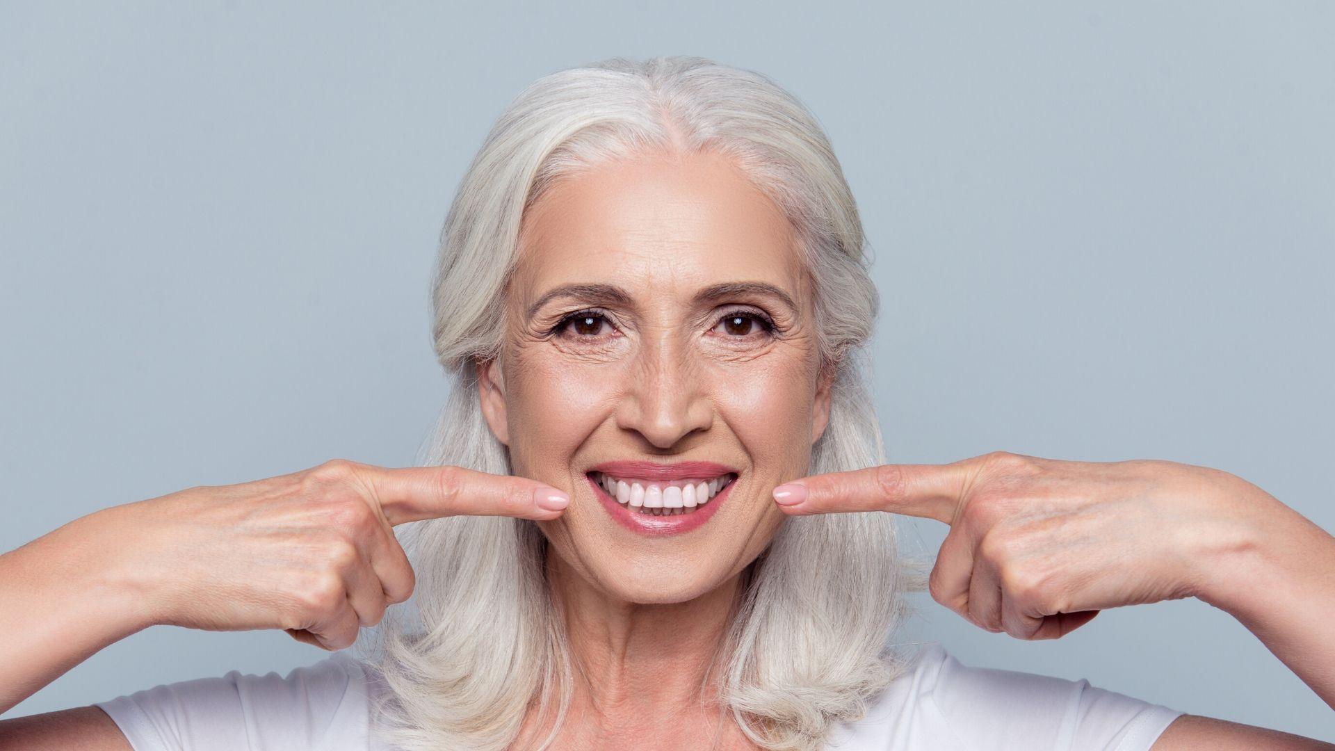 Blanchir les dents remède grand-mère